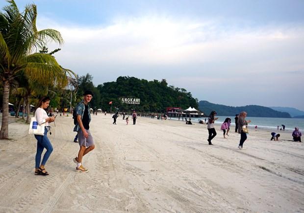 COVID-19: Malaysia thi diem thanh cong viec mo cua hon dao du lich hinh anh 1