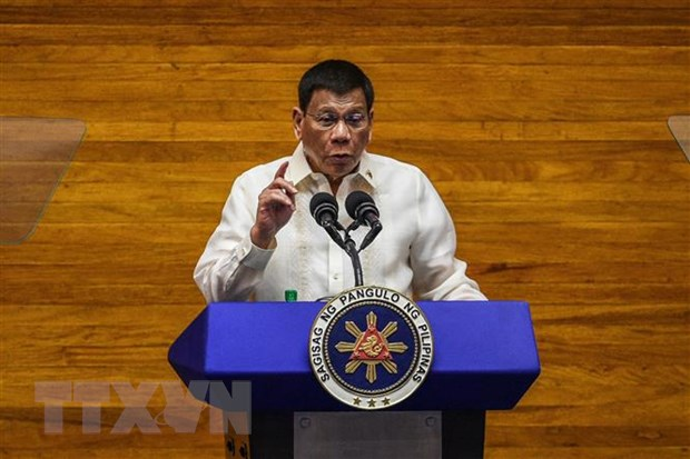 Tong thong Philippines R. Duterte tuyen bo rut khoi chinh truong hinh anh 1
