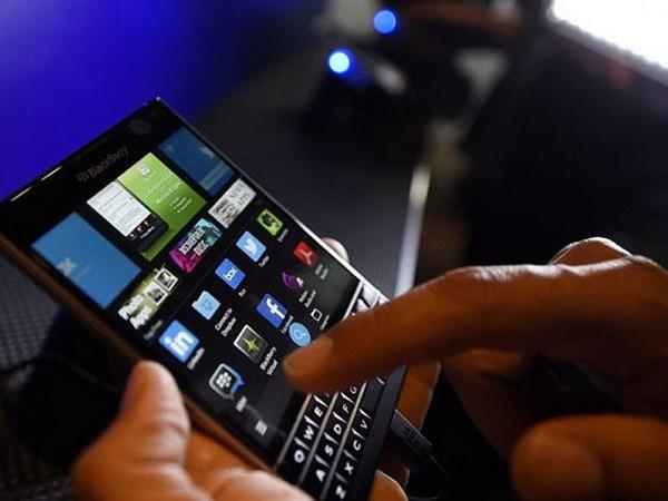 Samsung de nghi mua lai BlackBerry de doi trong voi Apple hinh anh 1