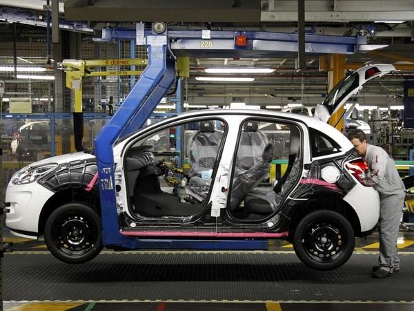 PSA Peugeot Citroen san xuat xe dien gia