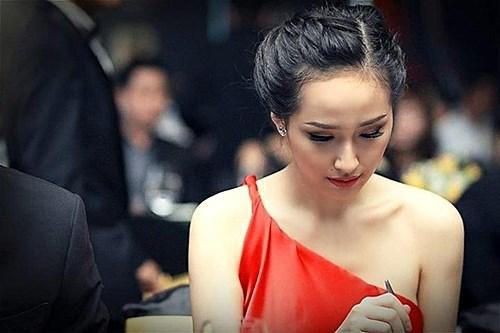 Toc bui khuay dao ca showbiz Viet lan san dien the gioi hinh anh 10