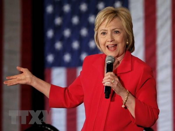 Cuu Ngoai truong Clinton