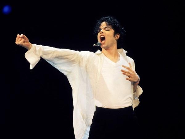 Mac du da qua doi nhung Michael Jackson van lan san dien anh hinh anh 1