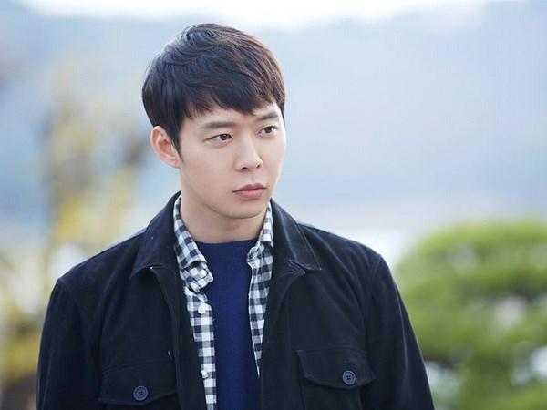 Han Quoc truy to nguoi phu nu vu khong nam dien vien Park Yoo Chun hinh anh 1