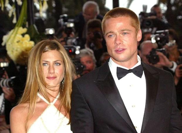 Diem lai nhung moi tinh chong vanh cua Brad Pitt va Angelina Jolie hinh anh 12