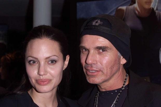 Diem lai nhung moi tinh chong vanh cua Brad Pitt va Angelina Jolie hinh anh 2