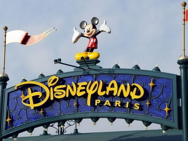 Cong vien Disneyland Paris thua lo ky luc do cac vu khung bo hinh anh 1