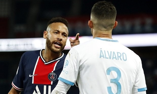Neymar khang dinh bi phan biet chung toc trong tran dau voi Marseille hinh anh 1