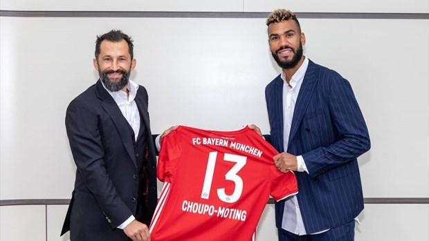Bayern chieu mo thanh cong hai cau thu Douglas Costa va Choupo-Moting hinh anh 2