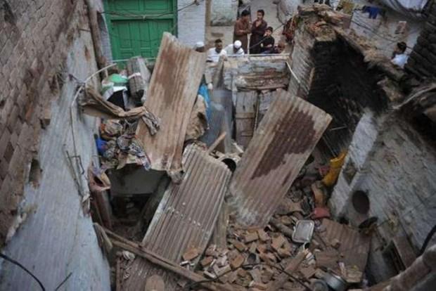 Pakistan: Sap mai nha khien hang chuc nguoi thuong vong hinh anh 1