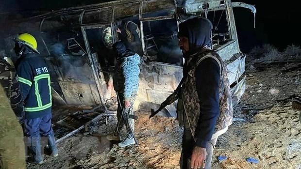 Syria: Xe buyt cho binh si bi tan cong, 15 nguoi thiet mang hinh anh 1