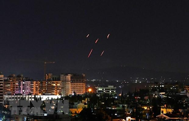 Syria chan ten lua do Israel thuc hien tan cong thu do Damascus hinh anh 1