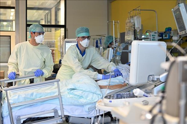 COVID-19: Duc phat hien ca nhiem bien the moi cua virus SARS-CoV-2 hinh anh 1