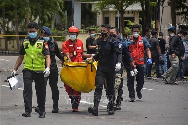 Indonesia dieu tra vu no tai nha tho theo huong danh bom lieu chet hinh anh 1