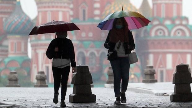 Dich COVID-19: Thu do Moskva, Nga yeu cau tiem vaccine bat buoc hinh anh 1