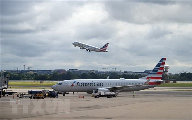 American Airlines se huy hang tram chuyen bay cho den giua thang Bay hinh anh 1