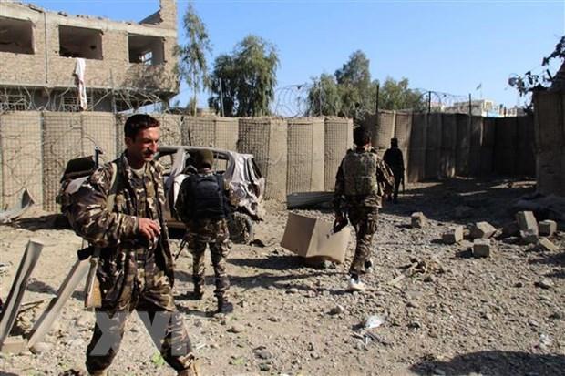 Afghanistan day lui cuoc tan cong cua Taliban o bien gioi phia Bac hinh anh 1