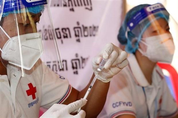 Campuchia hoan thanh tiem vaccine ngua COVID-19 cho hon 50% dan so hinh anh 1
