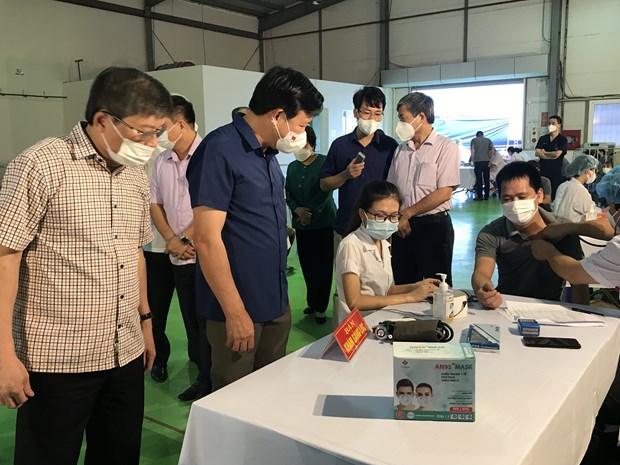 Hai Duong trien khai tiem vaccine phong COVID-19 cho cong nhan hinh anh 1