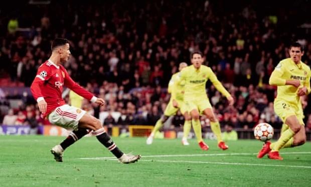 Solskjaer ca ngoi Ronaldo het loi sau khi