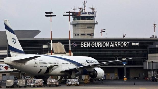 Cac chuyen bay den Tel Aviv chuyen huong de tranh rocket tu Dai Gaza hinh anh 1