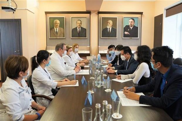 Viet-Nga trao doi kinh nghiem ve phuc hoi cho benh nhan COVID-19 hinh anh 1
