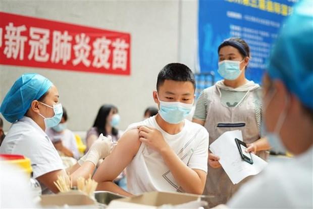 91% tre vi thanh nien Trung Quoc duoc tiem vaccine