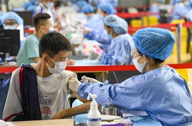 Chuyen gia Hong Kong: Chi nen tiem 1 mui vaccine cho thanh thieu nien hinh anh 1