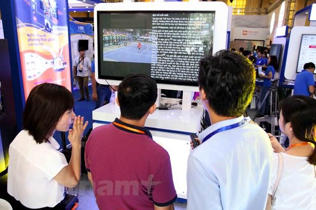 Nhieu cong nghe hien dai duoc gioi thieu trong VIETNAM ICT COMM 2016 hinh anh 12