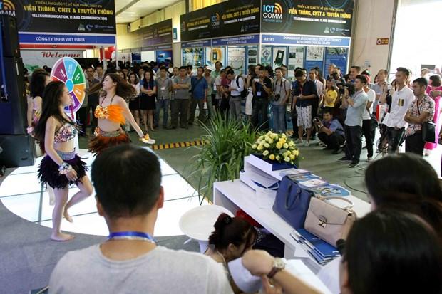 Nhieu cong nghe hien dai duoc gioi thieu trong VIETNAM ICT COMM 2016 hinh anh 2