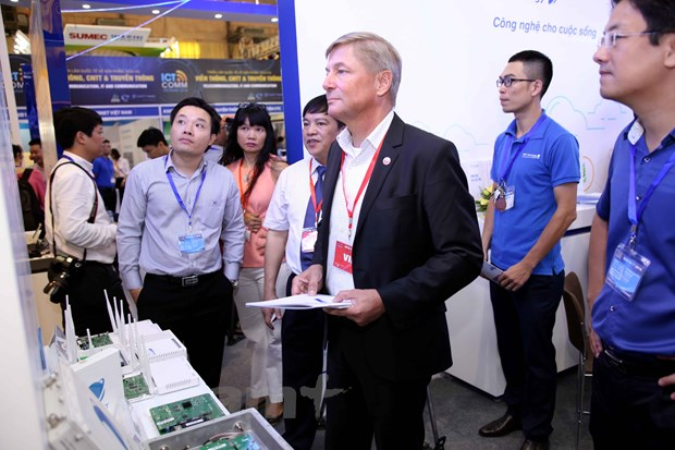 Nhieu cong nghe hien dai duoc gioi thieu trong VIETNAM ICT COMM 2016 hinh anh 3