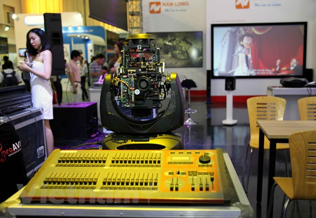 Nhieu cong nghe hien dai duoc gioi thieu trong VIETNAM ICT COMM 2016 hinh anh 9