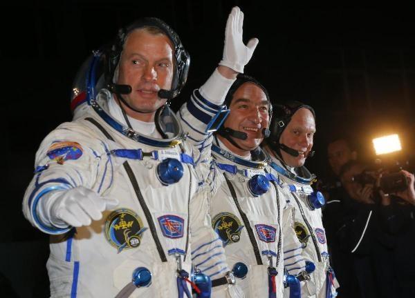 Chuyen gia My: NASA dung hop tac voi Nga la sai lam hinh anh 1
