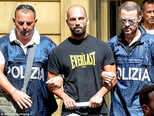Italy bat giu nhieu quan chuc tinh nghi tiep tay cho mafia hinh anh 1