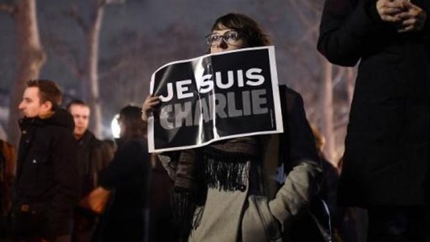 Tho Nhi Ky chan cac web dang biem hoa cua Charlie Hebdo hinh anh 1