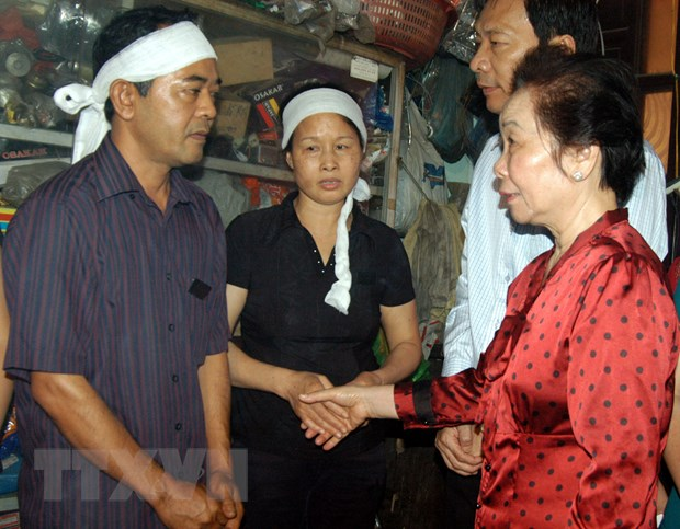 Ca nuoc chung tay huong ve ba con vung mua lu o Quang Ninh hinh anh 1