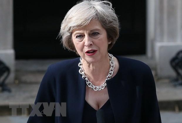 [Video] Nu Thu tuong Anh Theresa May trong ngay dau tien di lam hinh anh 1