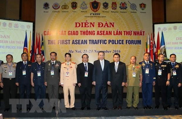 Viet Nam to chuc Dien dan Canh sat Giao thong ASEAN lan 1 hinh anh 1