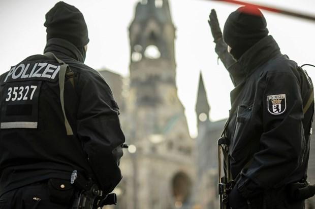 Ba Merkel cam ket tang cuong an ninh sau vu dam xe tai o Berlin hinh anh 1