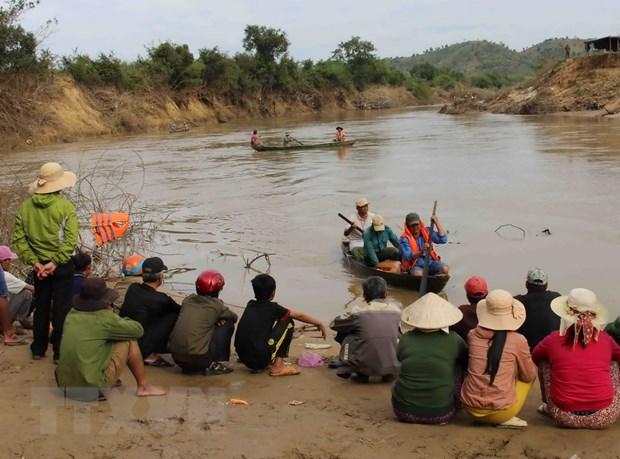 Vu lat thuyen tren song o Dak Lak: Thay thi the nan nhan mat tich hinh anh 1
