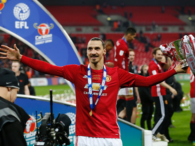 Manchester United vo dich Capital One Cup: Hay ghi nho Ibrahimovic! hinh anh 1