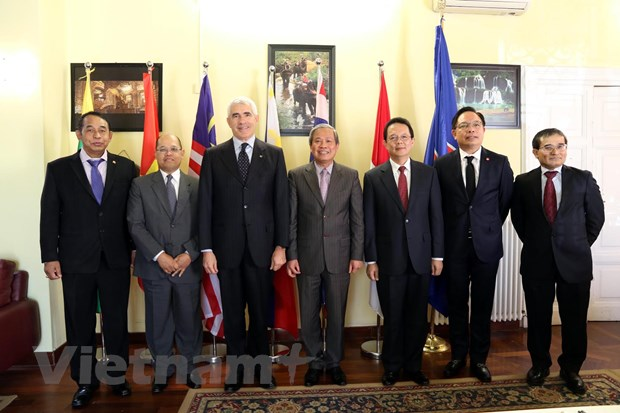 Uy ban ASEAN tai Italy nhan manh tang cuong gan ket noi khoi hinh anh 1