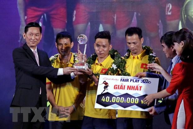 Doi tuyen Futsal Viet Nam duoc trao giai nhat Giai Fair Play 2016 hinh anh 1