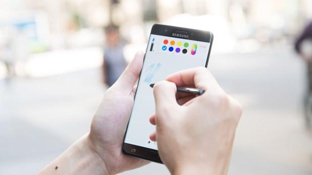 Samsung ra mat Galaxy Note 8 ngay truoc them ra iPhone 8? hinh anh 1