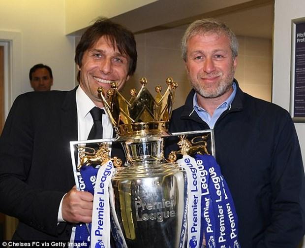 Chuyen o Chelsea: Conte khong the dua voi Roman Abramovich hinh anh 1