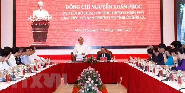 Thu tuong Nguyen Xuan Phuc lam viec voi Thuong vu Tinh uy Son La hinh anh 2
