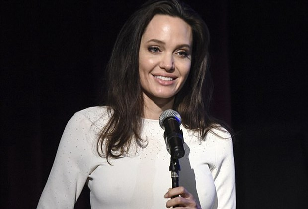 Nu dien vien Angelina Jolie len ke hoach tai xuat man bac hinh anh 1