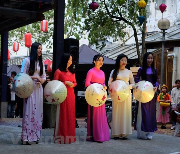 Quang ba dat nuoc, van hoa qua