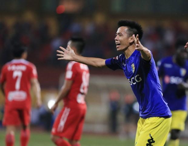 V.League 2017: Ha Noi vuon len dan dau, Long An chinh thuc tut hang hinh anh 1