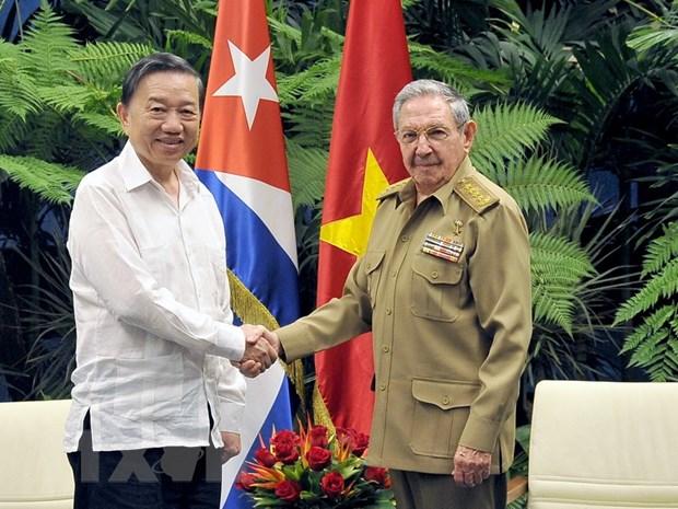 Viet Nam-Cuba chia se kinh nghiem bao ve an ninh chinh tri noi bo hinh anh 1